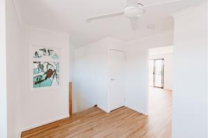 Sunshine Coast Interior Design Antique White USA White Paint